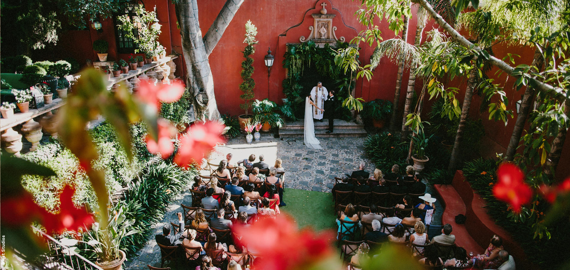 Vogue US: Paradise Found, A Wedding at a Lavish Home in San